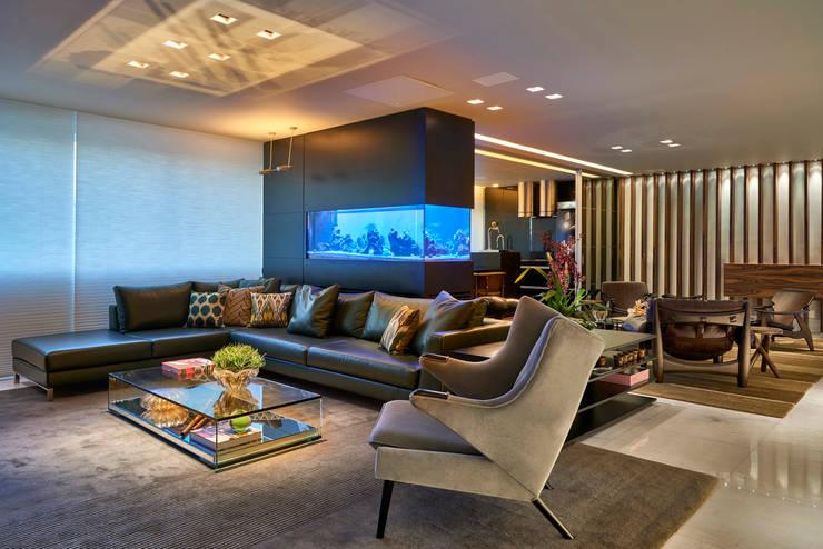 Apartamento Belvedere 2014: Sala de estar  por Gislene Lopes Arquitetura e Design de Interiores