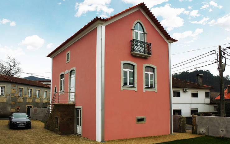 Maisons de style  par EVA | evolutionary architecture