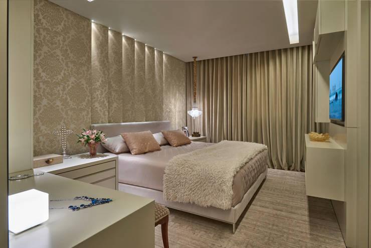 غرفة نوم تنفيذ Gislene Lopes Arquitetura e Design de Interiores