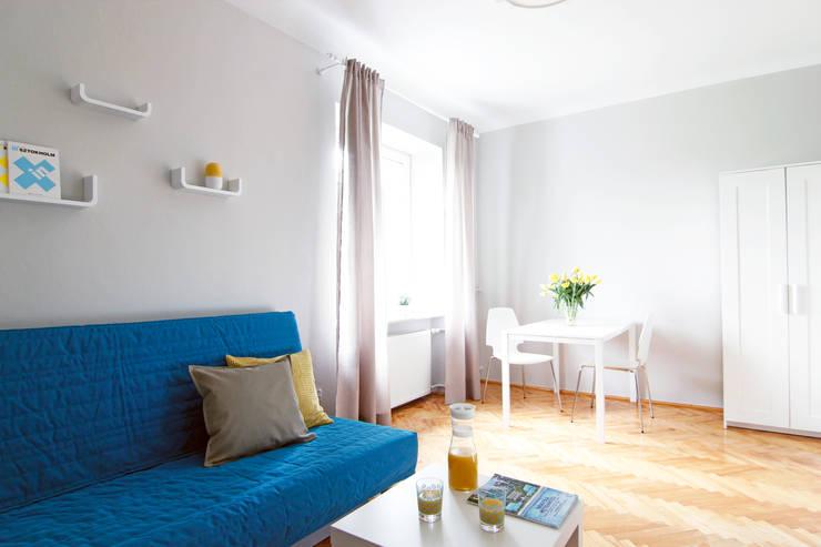 POKÓJ NR 1 PO METAMORFOZIE: styl , w kategorii Salon zaprojektowany przez Better Home,