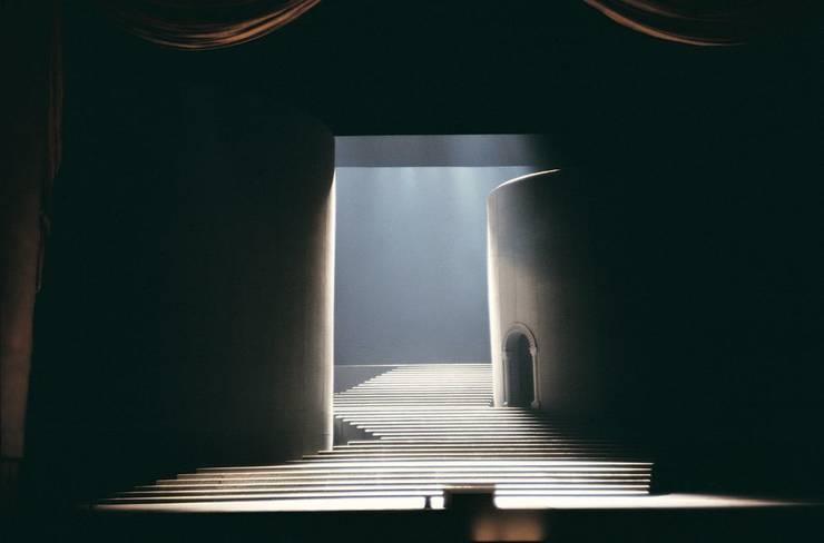 A cenografia de Svoboda e suas escadarias:   por Peter Boos