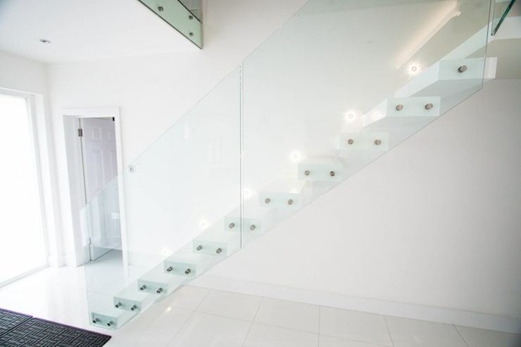 Cantilever Staircase realised in wood painted wait:  Corridor, hallway & stairs by Railing London Ltd