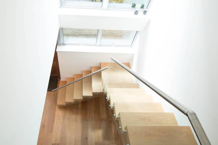 Open Plan Floating Stairs :  Corridor, hallway & stairs by Railing London Ltd