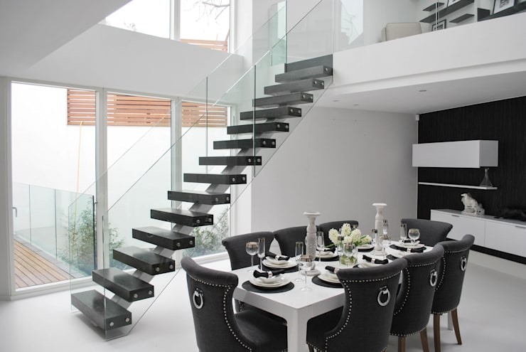Corridor, hallway & stairs  by Railing London Ltd