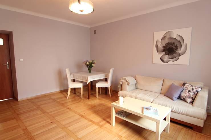 SALON PO METAMORFOZIE: styl , w kategorii  zaprojektowany przez Better Home
