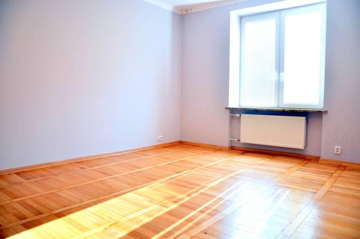 SALON PRZED METAMORFOZĄ: styl , w kategorii  zaprojektowany przez Better Home