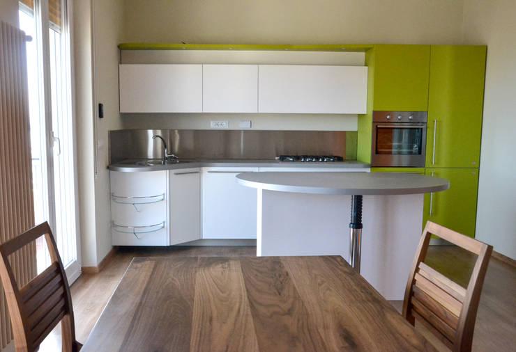 Kitchen by Architetti di Casa