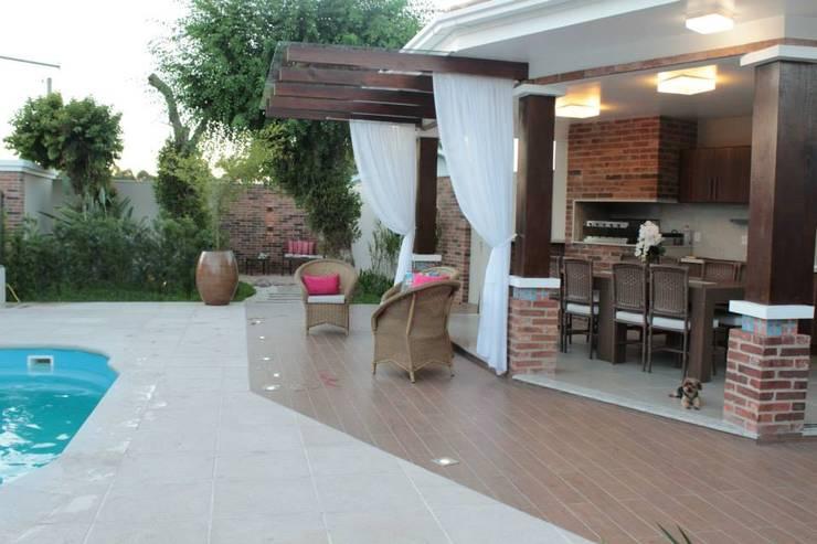 Terrazas de estilo  por Apê 102 Arquitetura
