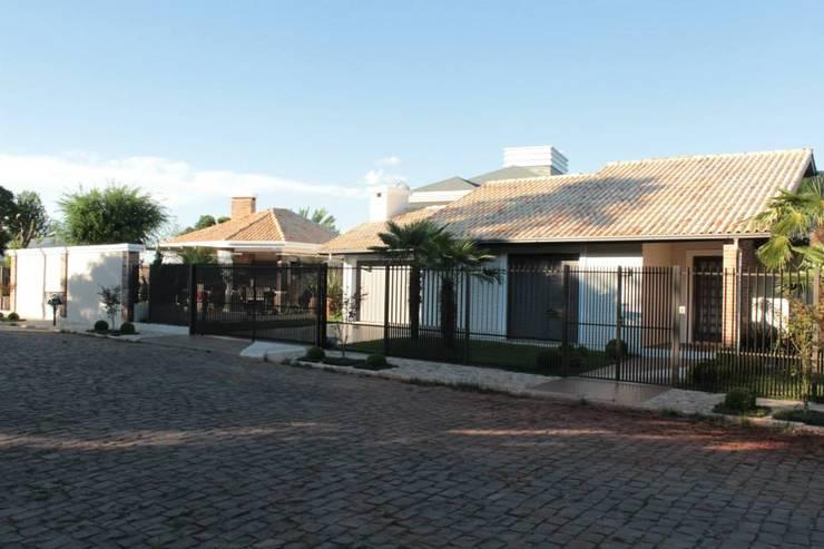บ้านและที่อยู่อาศัย by Apê 102 Arquitetura