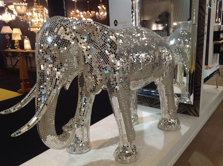 Enorme elefante recubierto de espejos: Hogar de estilo  de La brujula Feng Shui