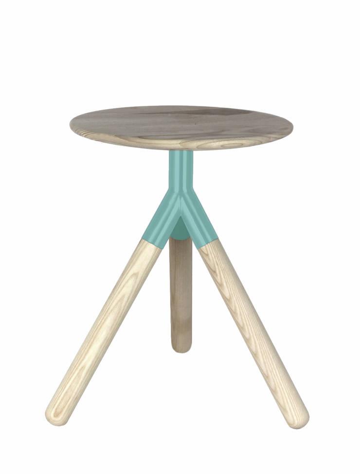 Moon Stool: styl , w kategorii Salon zaprojektowany przez Kosmos Project