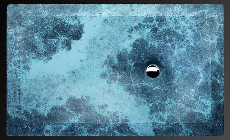 "concrete sink ""Thor's well"": Ванная комната в . Автор – Pietra Danzare"