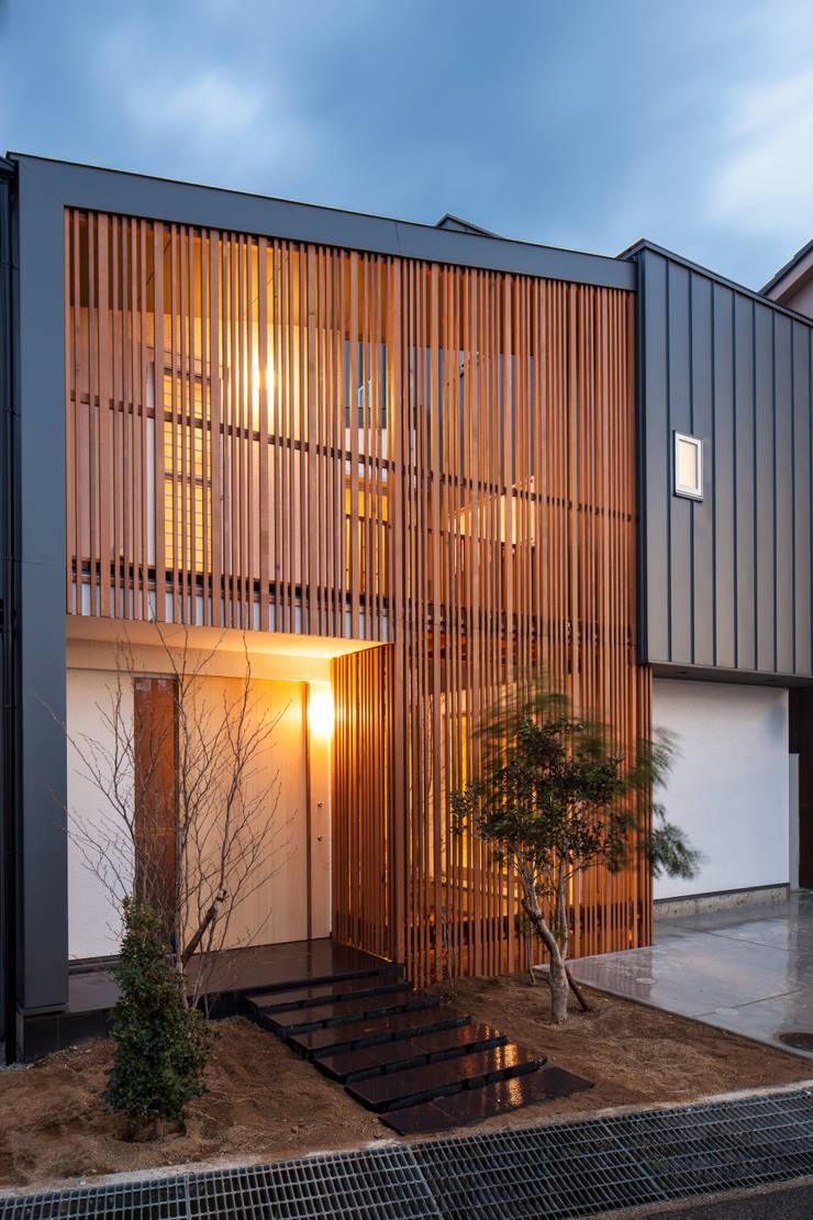 Casas de estilo  por 神谷徹建築設計事務所