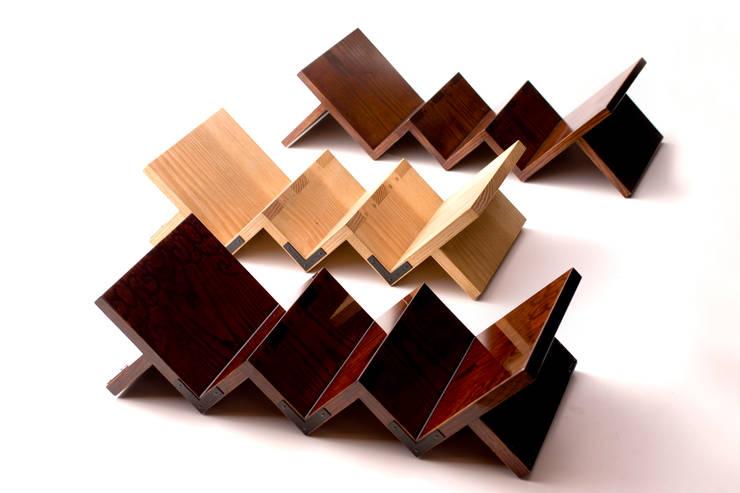 門間屋ワインラック: tona BY RIKA KAWATO / tonaデザイン事務所が手掛けたアジア人です。,和風