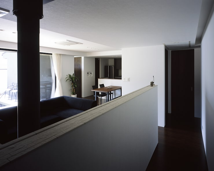 Living room by タカオジュン建築設計事務所-JUNTAKAO.ARCHITECTS-, Modern