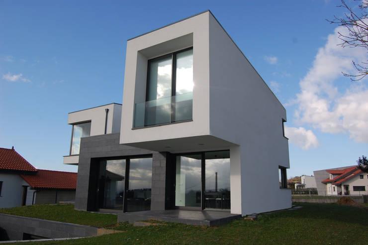 Vivienda en Siero 2: Casas de estilo  de Eva Fonseca estudio de arquitectura