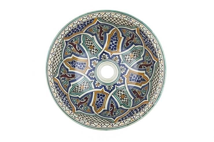 Mikhat - Umywalka ceramiczna z Maroka: styl , w kategorii Łazienka zaprojektowany przez Kolory Maroka