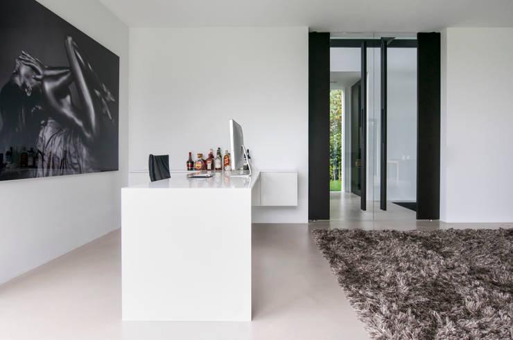 Ventanas de estilo  por FritsJurgens BV, Moderno