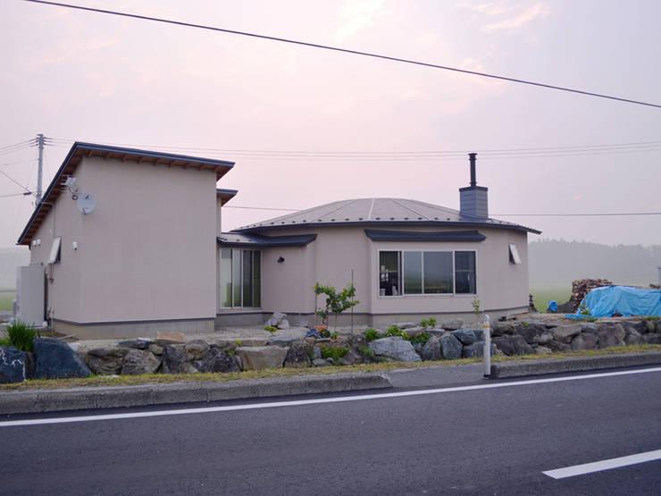 Houses by 前見建築計画一級建築士事務所(Fuminori MAEMI architect office), Country