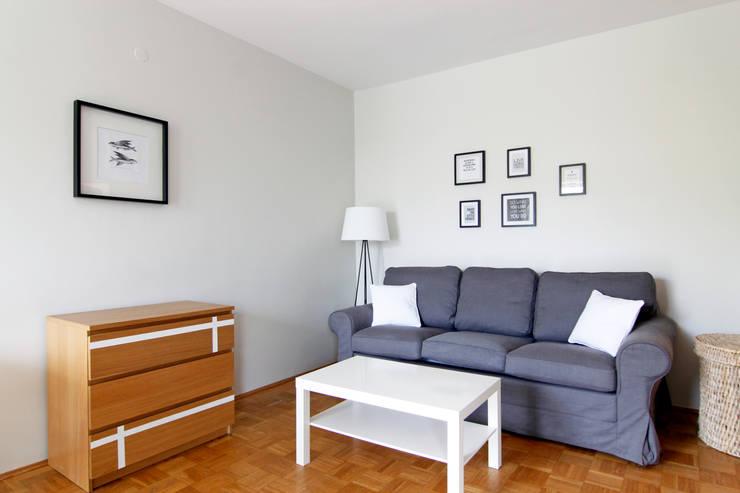 SALON PO METAMORFOZIE: styl , w kategorii Salon zaprojektowany przez Better Home,Skandynawski