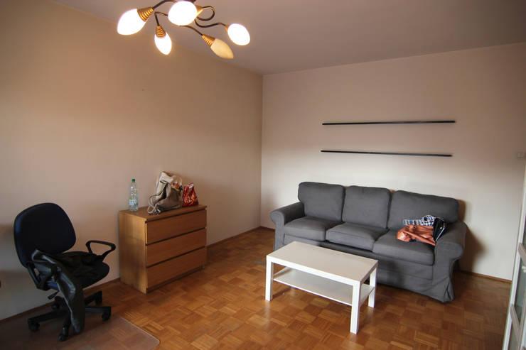 SALON PRZED METAMORFOZĄ: styl , w kategorii  zaprojektowany przez Better Home,Klasyczny