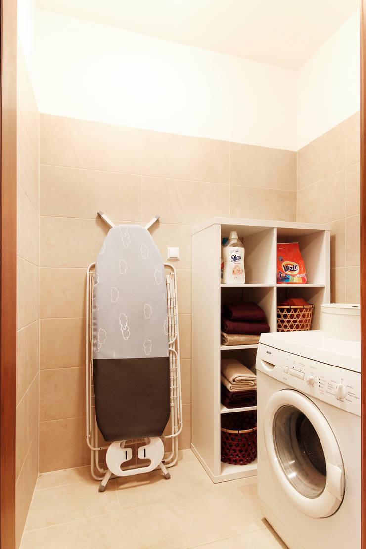 POMIESZCZENIE GOSPODARCZE PO MIETAMORFOZIE: styl , w kategorii Łazienka zaprojektowany przez Better Home