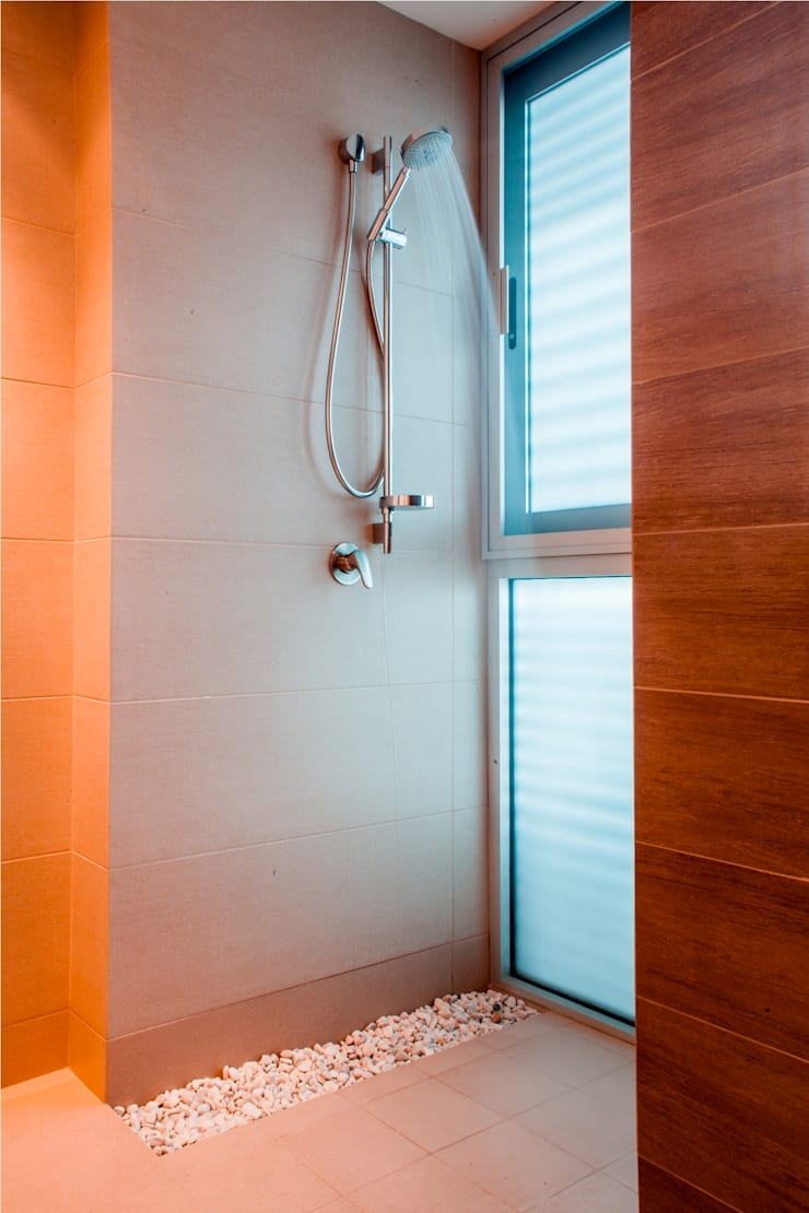 Baños de estilo  de GRUPO VOLTA, Moderno