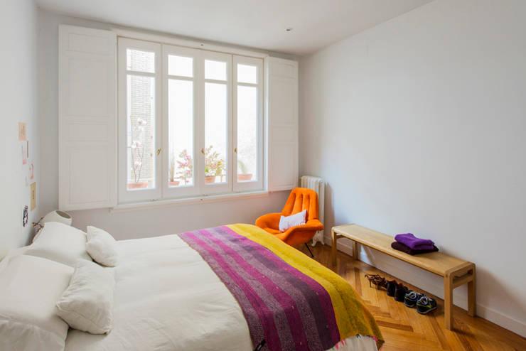Vivienda zona plaza de Olavide, Madrid: Dormitorios de estilo  de nimú equipo de diseño