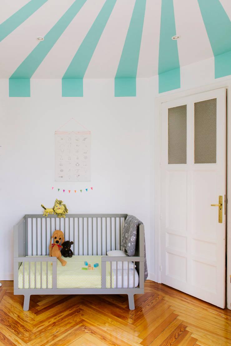 Vivienda zona plaza de Olavide, Madrid: Dormitorios infantiles de estilo  de nimú equipo de diseño