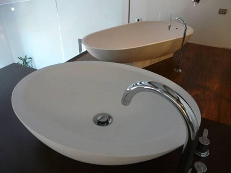Loft22@ Barcelona: Baños de estilo  de Tono Bagno
