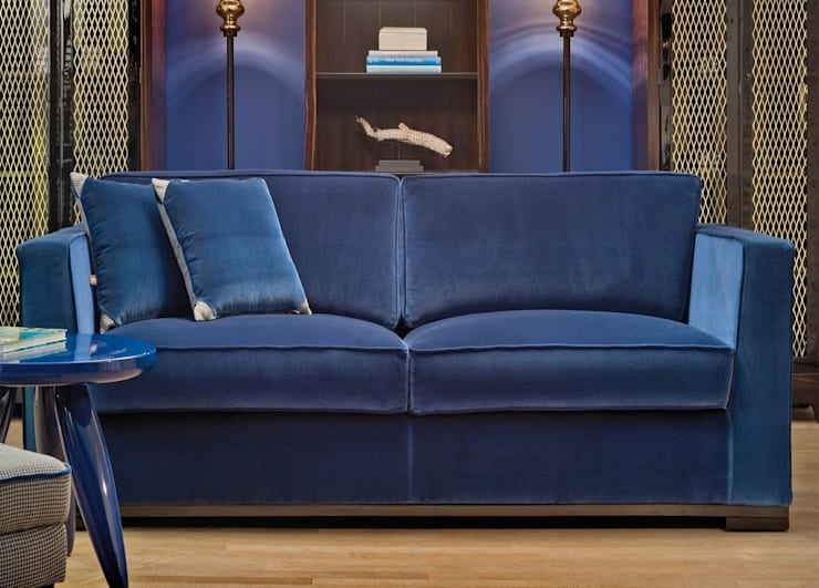 Dom Edizioni Harris Sofa: modern Living room by We Style Homes