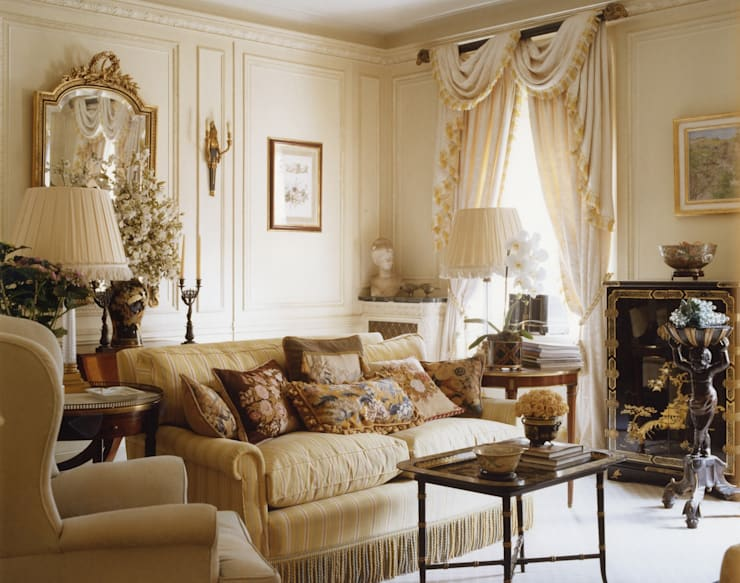 Mayfair Apartment - Drawing Room:  Living room by Meltons