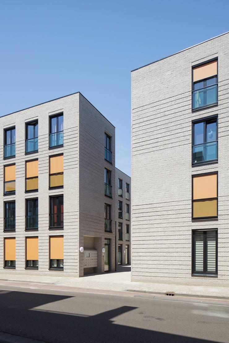 Straatgevel:   door Ed Bergers Architecten