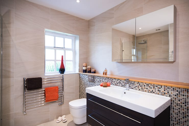 Mr & Mrs G, Woking:  Bathroom by Raycross Interiors