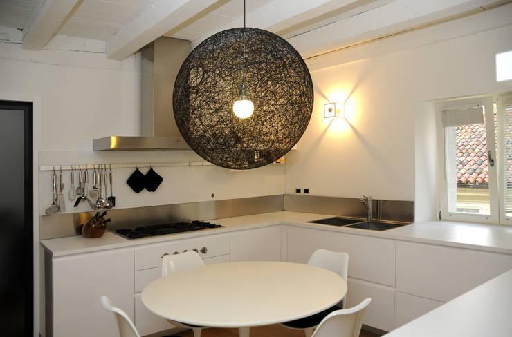 Casa S: Cucina in stile  di RB-Progetti
