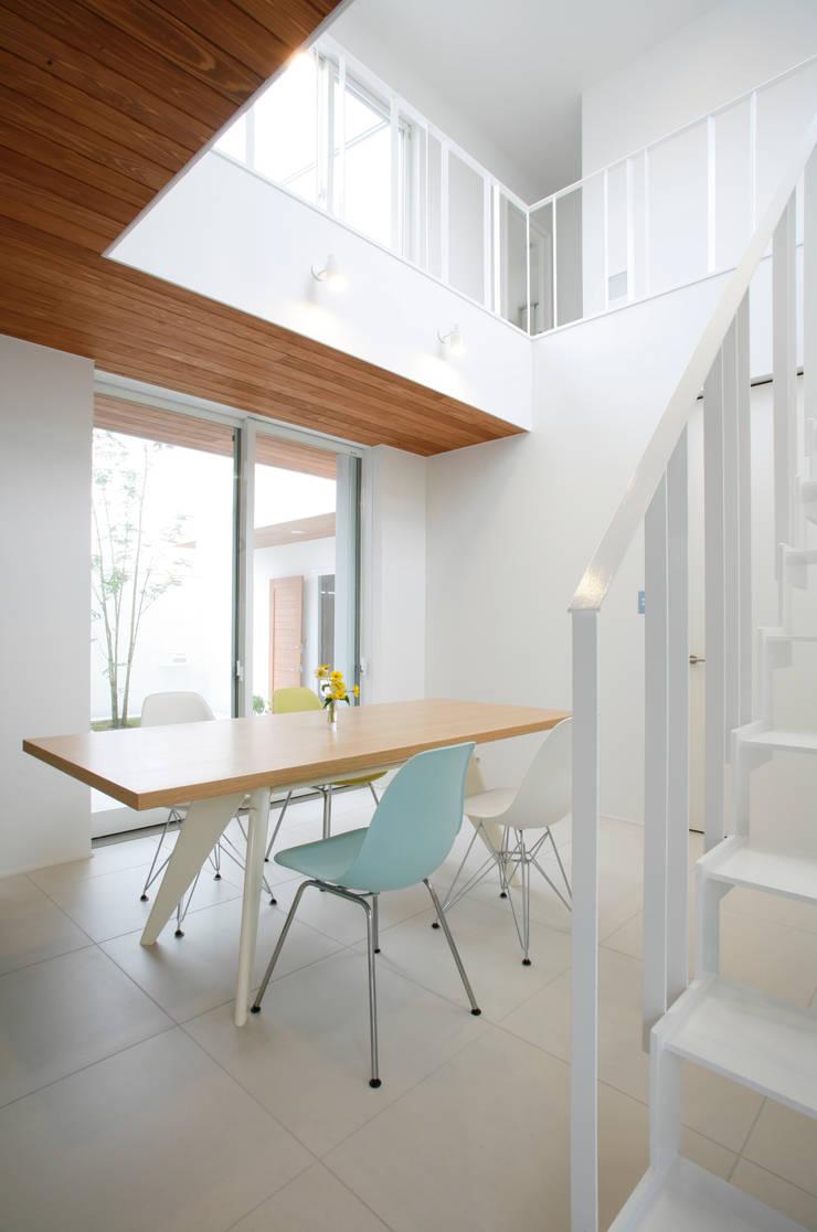 house ma: アークス建築デザイン事務所が手掛けたダイニングです。
