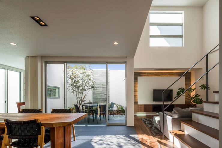 Woonkamer door 株式会社細川建築デザイン