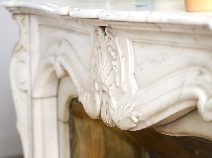 Aménagement et décoration d'un appartement à Lyon 01: Salon de style de style Scandinave par Marion Lanoë Architecte d'Intérieur
