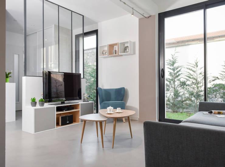 Aménagement d\'une pièce à vivre dans une maison à Lyon 08 von Marion ...