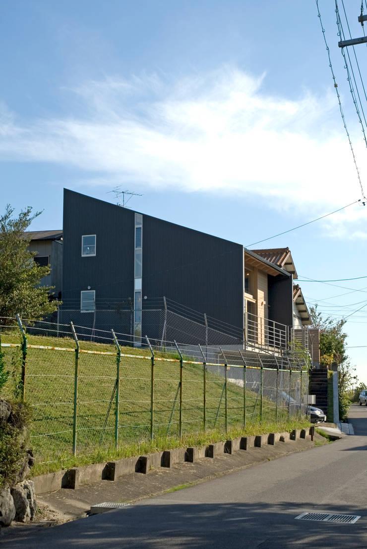 外観: 久保田英之建築研究所が手掛けた家です。,モダン