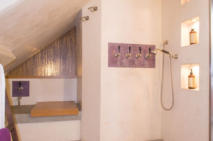 Lilac: moderne Badezimmer von vivante