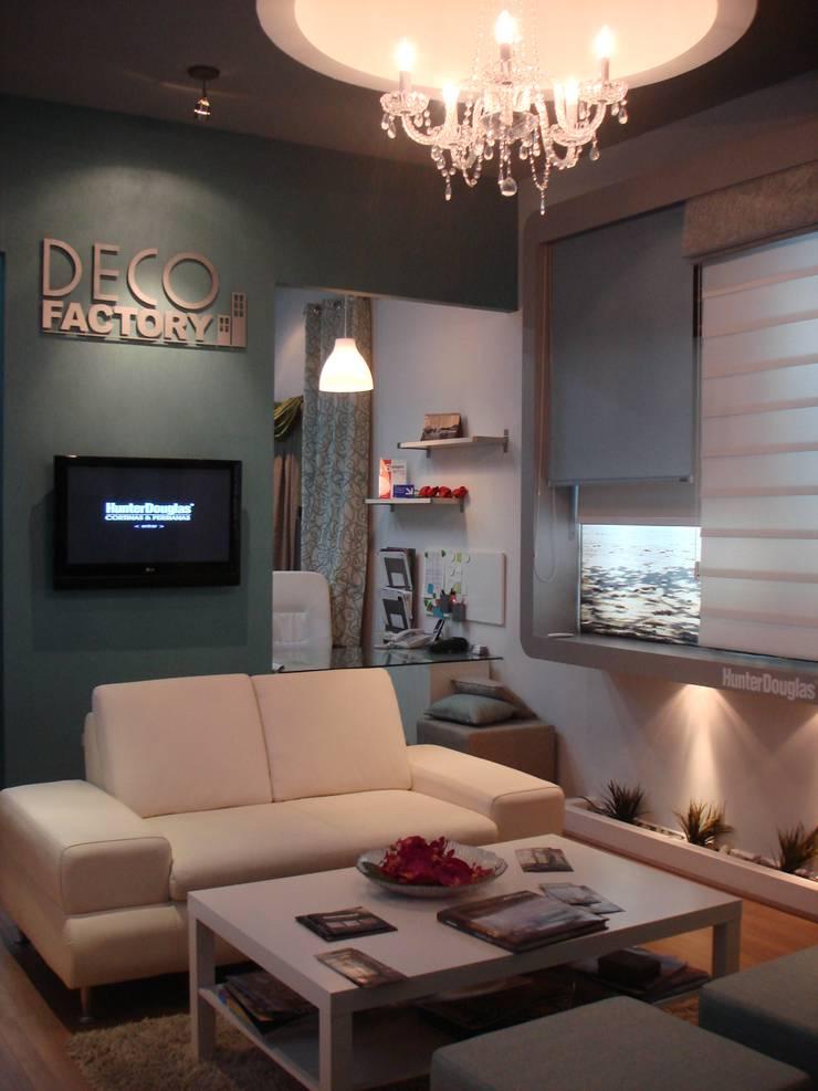 Showroom Deco Factory: Espacios comerciales de estilo  por DECO FACTORY