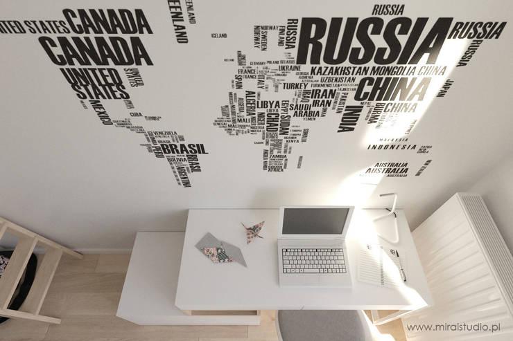 pokój nastolatki – Kraków, Grzegórzecka – wizualizacja: styl , w kategorii Pokój dziecięcy zaprojektowany przez MIRAI STUDIO
