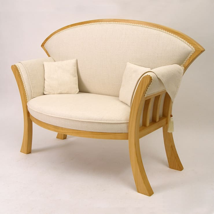 Cherry Chair:  Living room by Cadman Furniture
