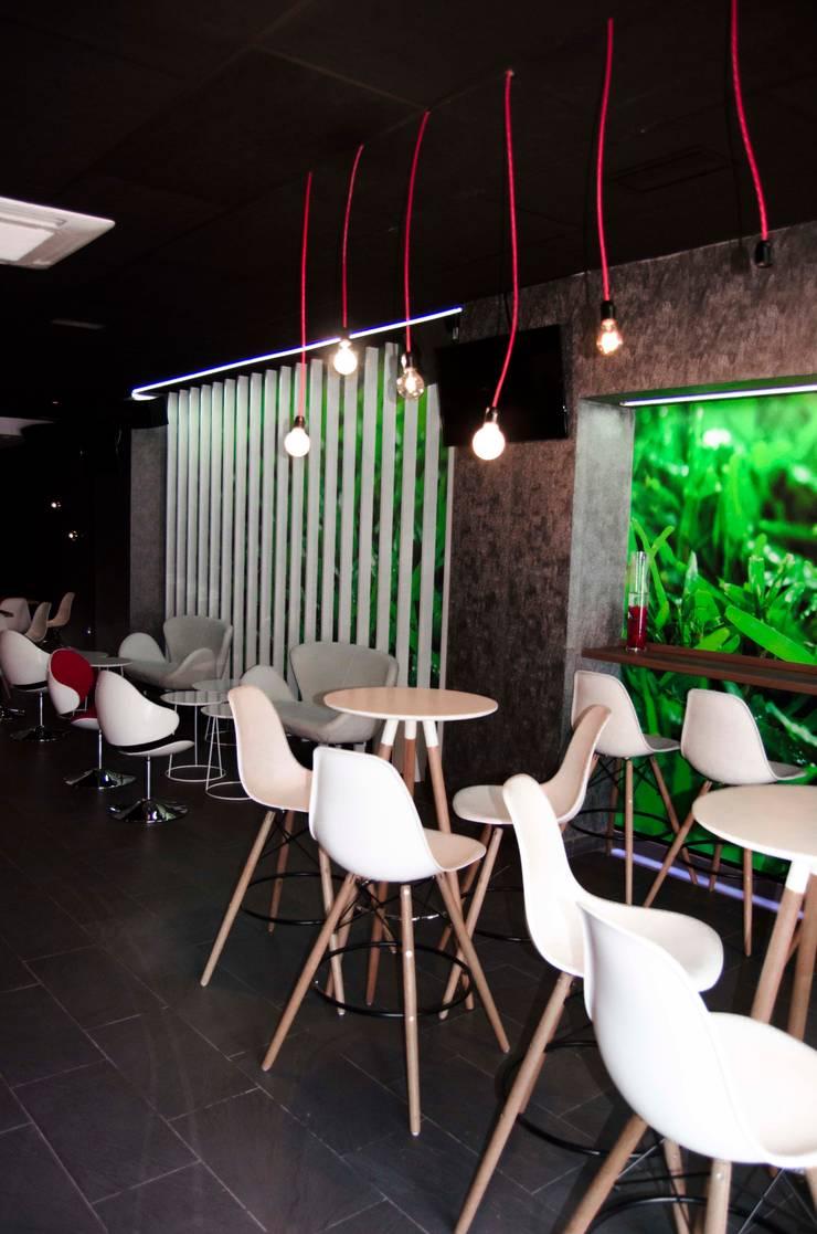 Cafetería 78 Copas: Locales gastronómicos de estilo  de ZimmeR designer