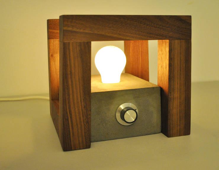 Lampje Cowo: minimalistische Slaapkamer door NokNok