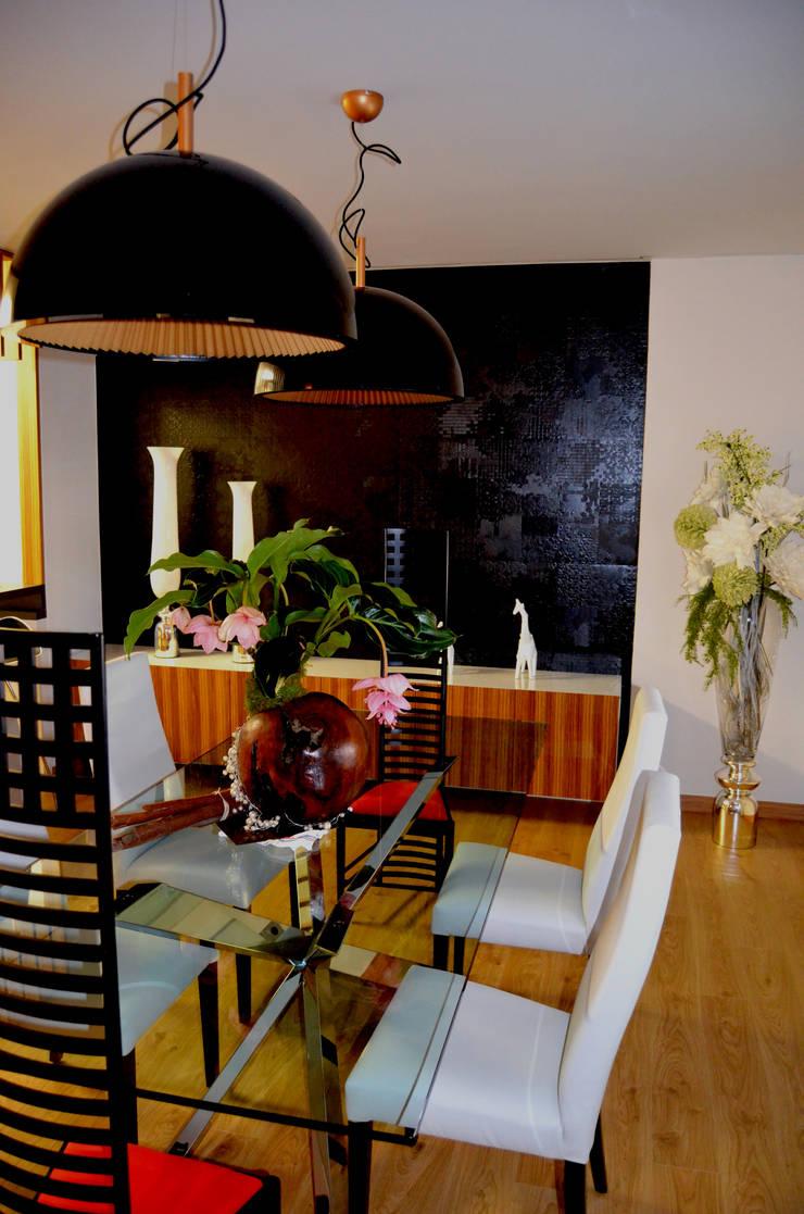 Intercomunicación. Reforma de vivienda.: Comedores de estilo  de ZimmeR designer