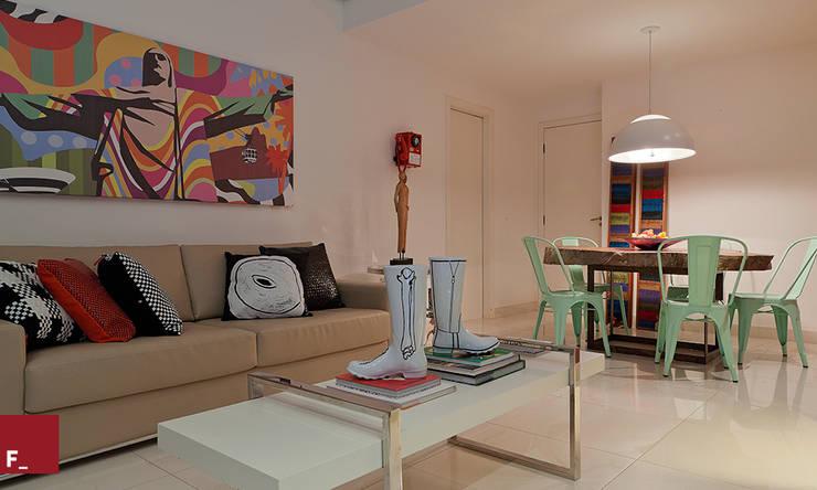 Apartamento D_M: Salas de estar ecléticas por Fadel Arquitetura