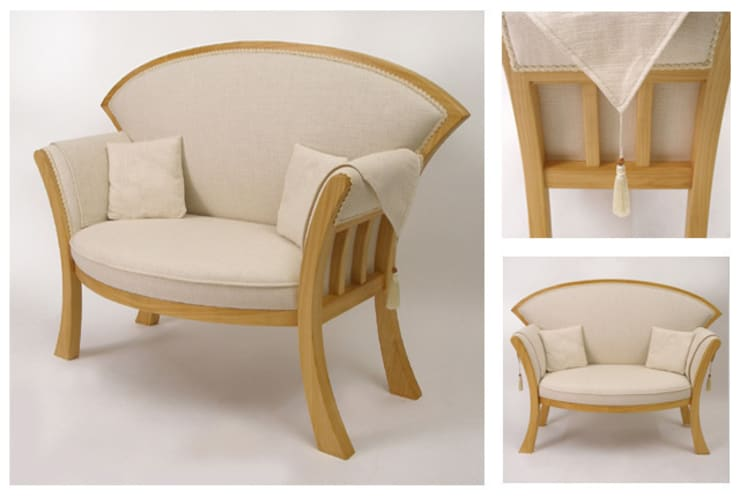 Occasional sofa:  Living room by Cadman Furniture
