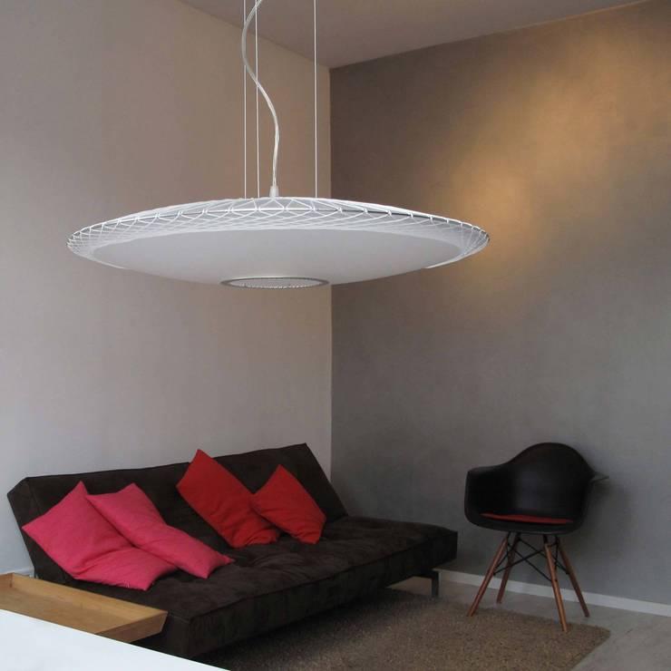 Disque hanglamp:   door Marc Th. van der Voorn, Industrieel
